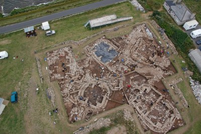 Figure 1. Aerial view of excavations (by Hugo Anderson-Whymark on http://www.nessofbrodgar.co.uk/; accessed 02 December 2012).