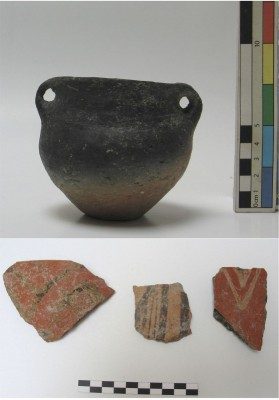 Figure 4. Small jar with two handles from At II (top) and Starčevo painted pottery (bottom).