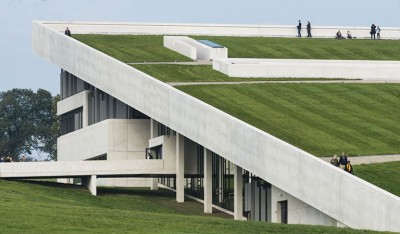 Figure 2. The turf-covered roof of the new museum (photograph by JaCob Due, Photo/Media Department, Moesgaard).
